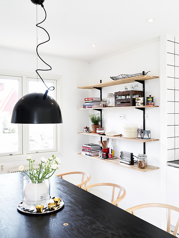 White home - via Coco Lapine