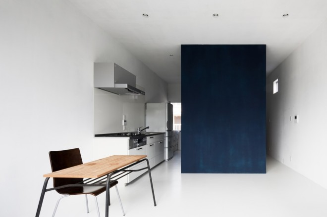 Small Tokyo house - via Coco Lapine