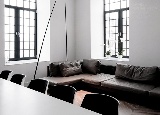 Dark and slick home - via Coco Lapine