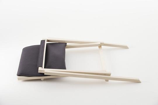 AITO folding chair - via Coco Lapine