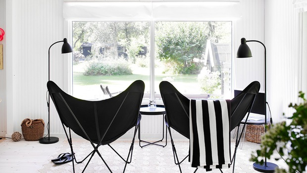Black summerhouse - via Coco Lapine