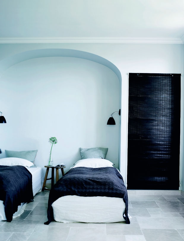 Nordic minimalism in Southern France - via Coco Lapine