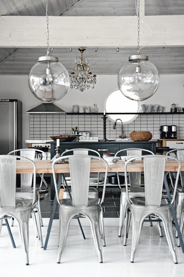 Monochrome with an industrial style kitchen - via Coco Lapine