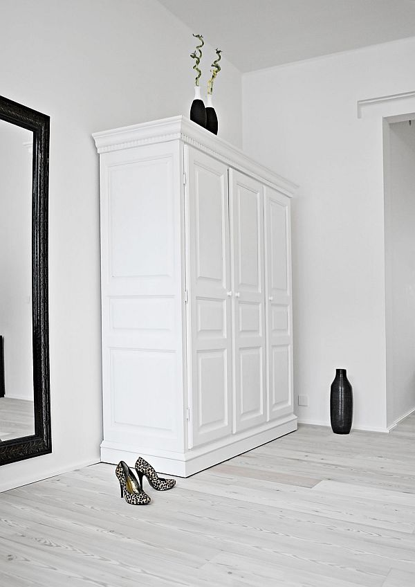 Black and white to the max - via Coco Lapine