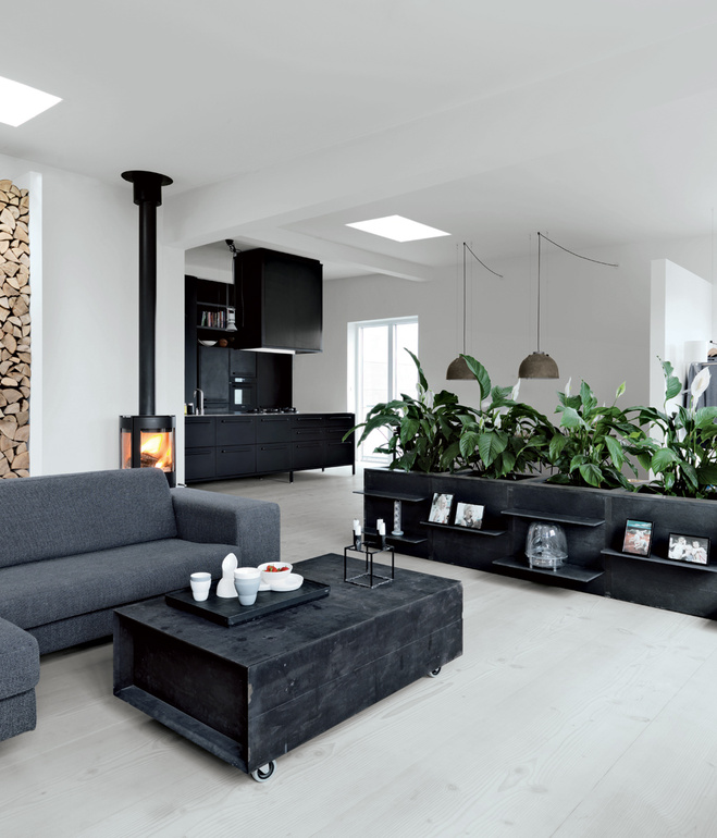 the home of morten bo jensen from vipp coco lapine. Black Bedroom Furniture Sets. Home Design Ideas