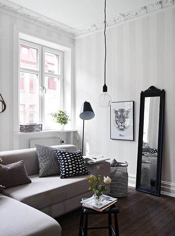 Classic white living room - via Coco Lapine