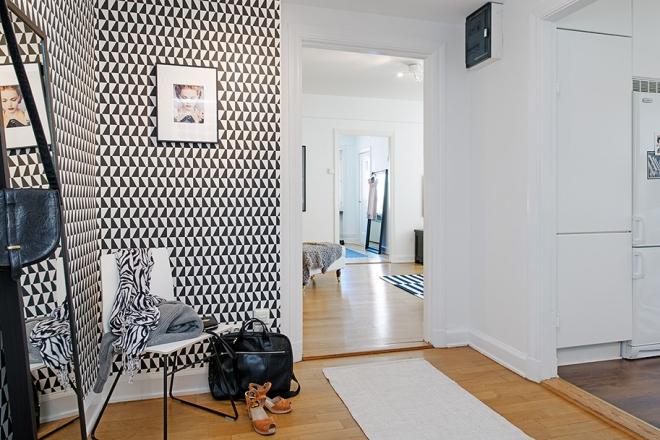 Triangle Hallway - via Coco Lapine_1024x