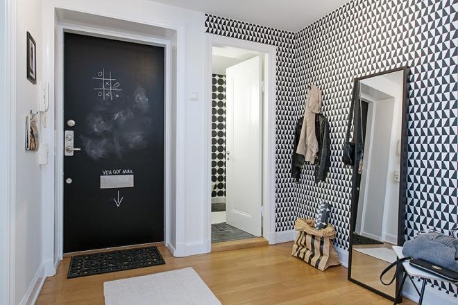 Triangle Hallway - via Coco Lapine