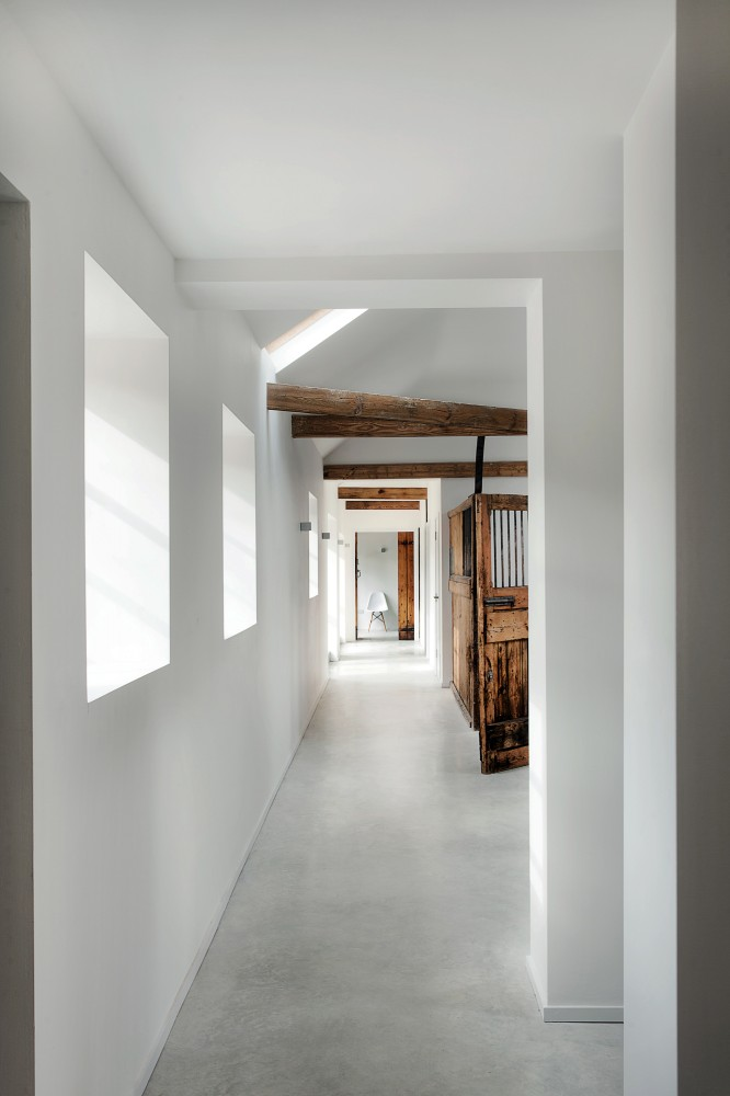 Stable House - via Coco Lapine